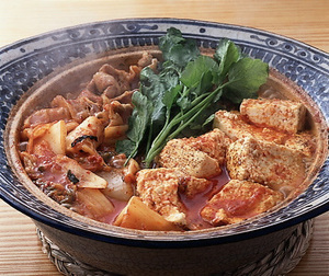 焼き豆腐と豚バラ肉のキムチ鍋
