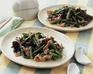 豚肉とにんにくの茎の中華炒め