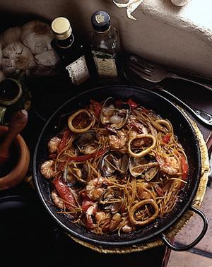 スパゲティのパエリヤ