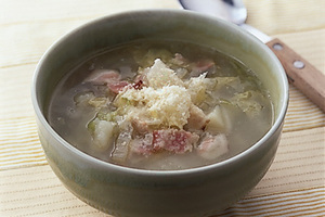 白菜とじゃがいものスープ
