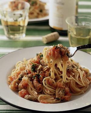 トマト味のスパゲティボンゴレ