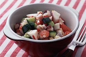 たこと野菜のさいころサラダ
