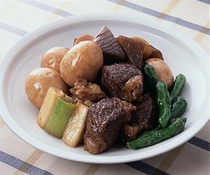 牛肉とこんにゃくの甘辛煮