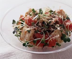 はんぺんとトマトのおかかサラダ