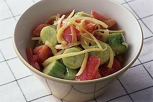 きゅうりとトマトのサラダマスタード風味
