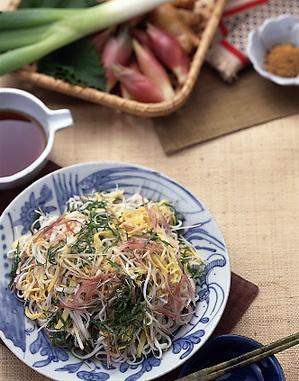 錦糸卵と香味野菜のからめ冷やむぎ