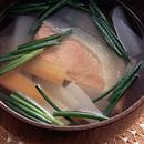 鮭と根菜の汁もの