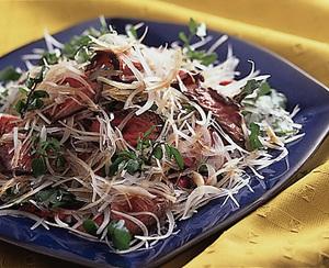 牛もも肉の昆布巻きサラダ仕立て