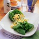 サラダ菜と卵のサラダ