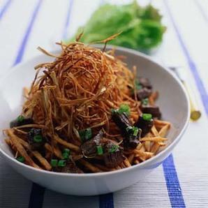 揚げ野菜とビーフのサラダ