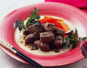牛肉のサイコロステーキハーブ風味