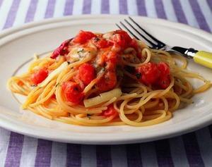 トマトとチーズのスパゲティ