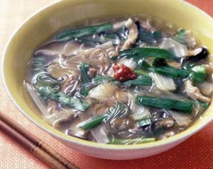 豚肉としいたけの春雨スープ