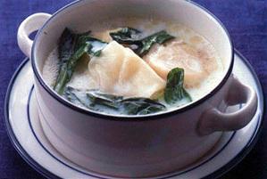 帆立てと小松菜のミルクスープ