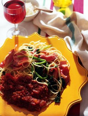 ほうれん草とベーコンのトマトソーススパゲッティー