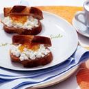 くるみパンのカッテージチーズ&マーマレードサンド