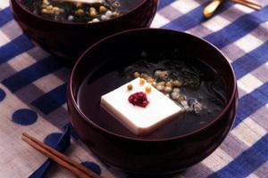 豆腐ととろろ昆布のすまし汁