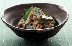にがうりとツナのカレー風味サラダ
