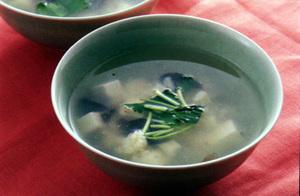豆腐と帆立て貝柱のスープ