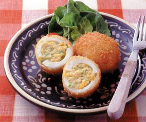 卵とキャベツのクリームコロッケ