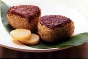 玄米ご飯の香ばしい焼きおにぎり
