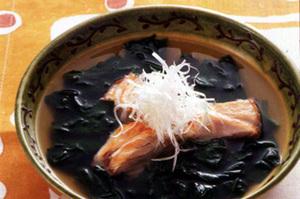 ほうれん草と鮭のスープ