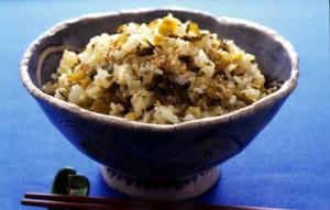 高菜とごまの混ぜご飯