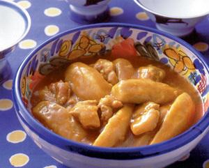 セレベスと鶏肉のカレー煮