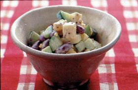 豆とゆで卵のサラダ