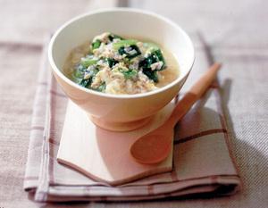 鶏ひき肉と小松菜の雑炊