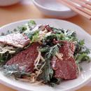 牛肉と春菊のピリ辛あえ