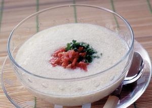 豆腐とベーコンのひんやりスープ