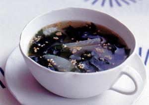 大根とわかめのスープ