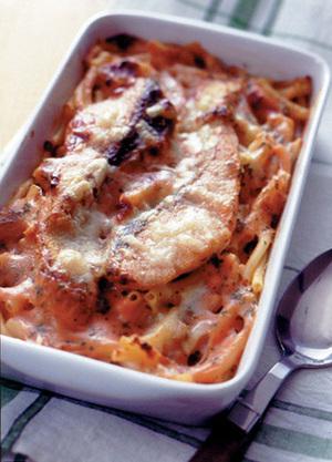 鮭とマカロニのチーズグラタン