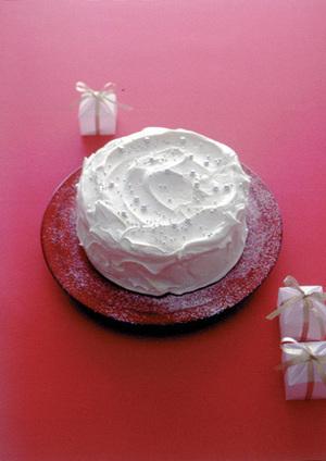 バナナとくるみのホワイトスノーケーキ