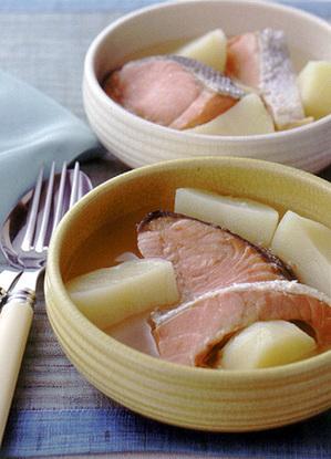 塩鮭とじゃがいものスープ煮