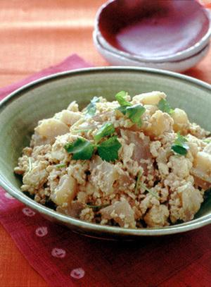 鶏ひき肉とれんこんのいり豆腐