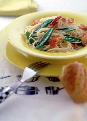 きぬさやとベーコンのスパゲティ