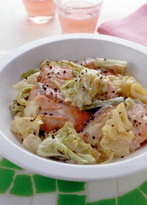 鮭とキャベツのマヨネーズ煮