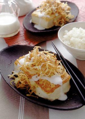 豆腐ステーキ オニオンスライスのせ