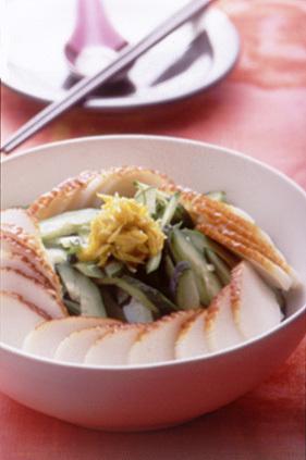 きゅうりとかまぼこの中国風サラダ