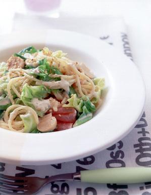 ごまソースのカルボナーラ風スパゲティ