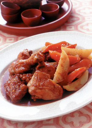 鶏骨つき肉と野菜のこってり煮