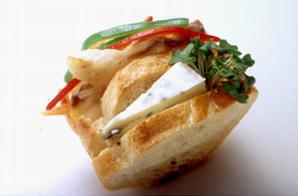 白身魚のマリネとチーズのバゲットサンド