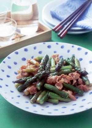 アスパラガスと豚肉のしょうが炒め