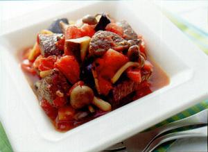 牛肉ときのこのトマト煮