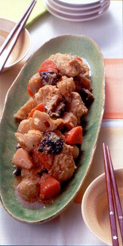 根菜と鶏つくねのごま煮