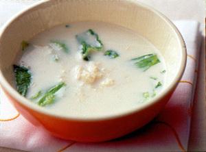 レタスと帆立てのミルクスープ