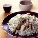 鶏手羽とじゃがいもの炊き込みご飯
