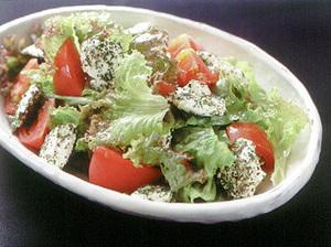 ペッパーチーズ入りグリーンサラダ
